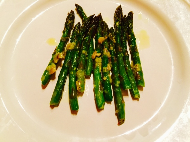 Asparagus with garlic and Parmesan