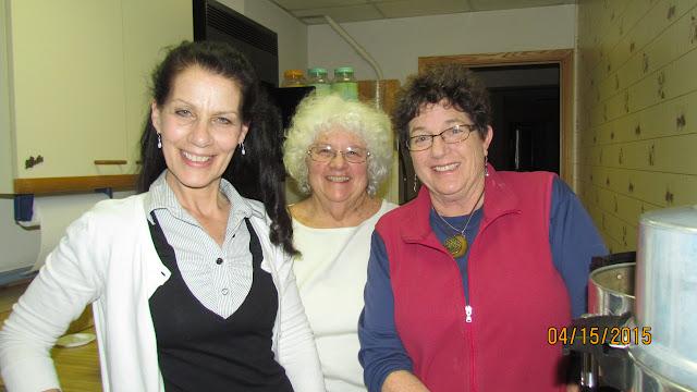 Volunteers Sue Murphy, Tanya Sharon, Carol Fink