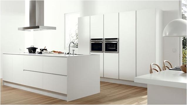 Dise o y decoraci n de cocinas cocina de dise o pozuelo for Cocinas paralelas