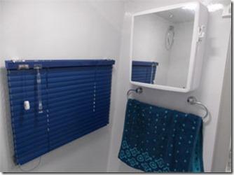 mini-camper-super-luxo-banheiro-1