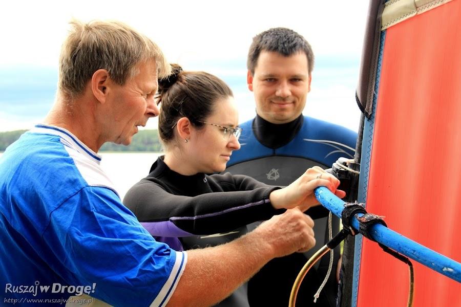 Uczymy się pływać na windsurfingu w Osieku