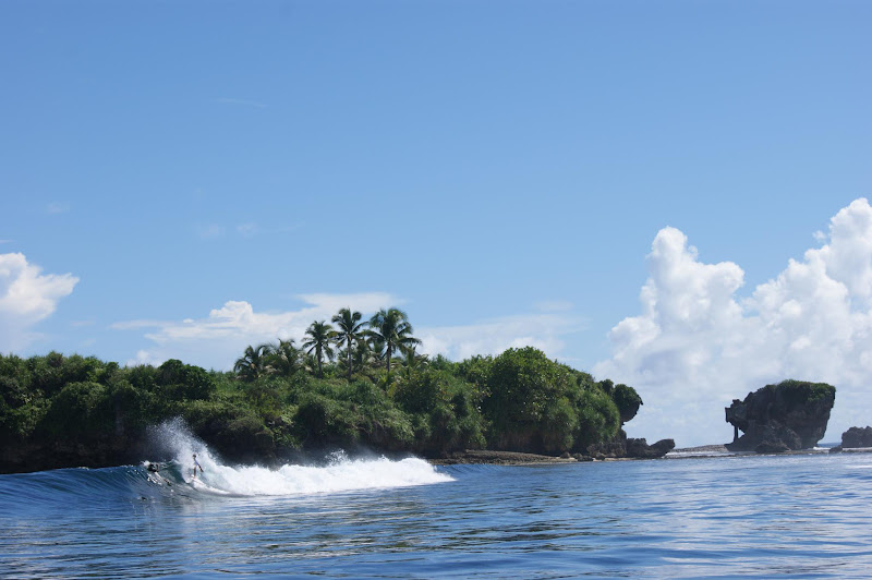 surf guide at siargao philippines asia soulridercamp com