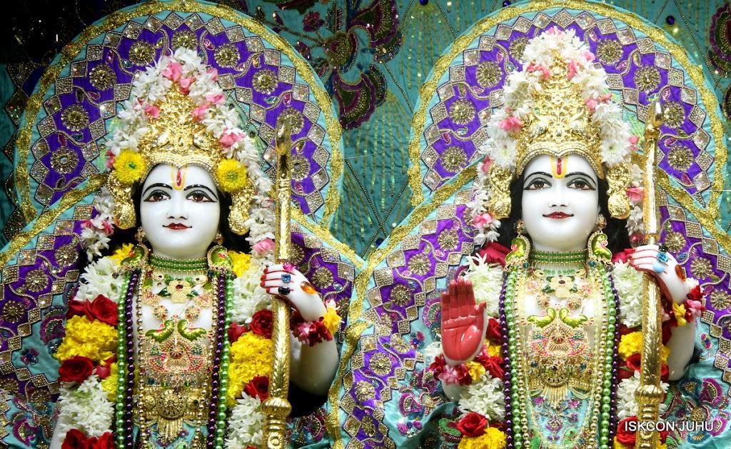 ISKCON Juhu Sringar Deity Darshan on 24th July 2016 (28)