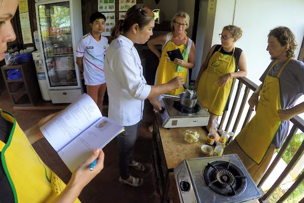 Get teached by an experienced Thai chef