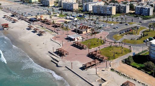 חוף נאות קרית חיים.jpg