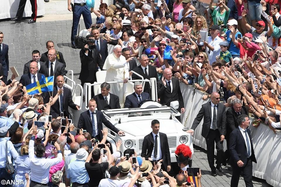 Watykan, 5 czerwca 2016 - 13335895_1221820401162895_8845726353714240910_n.jpg