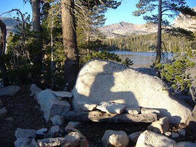 And her shadow on the rock next to the lake.©http://backpackthesierra.com