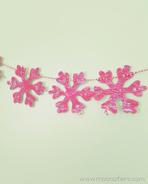 Jingle Bell Painted Christmas Garland: Kid Made Christmas Decorations