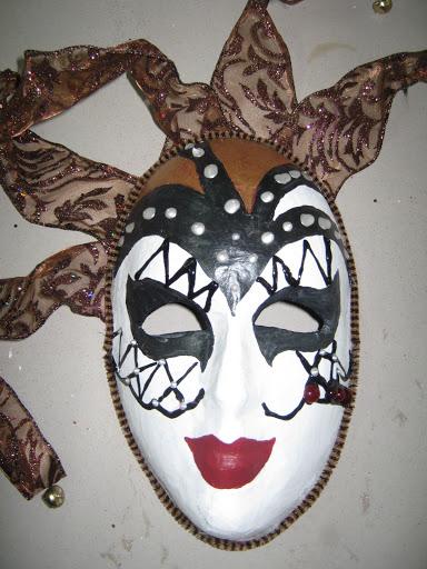 Maskers schilderen op buurvrouwendag 022.jpg