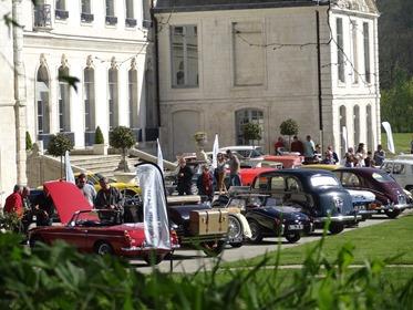 2017.04.09-027 les voitures devant l'abbaye