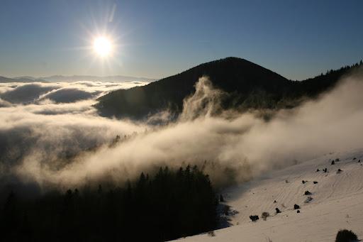 Oblaky pretekajúce cez Strungový príslop