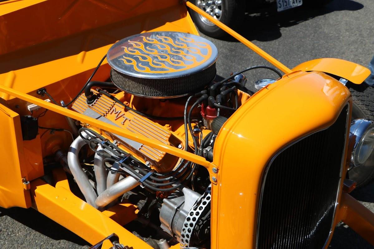1935 Ford Hot Rod (02).jpg