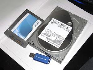 SSD,HDDとUSBメモリ