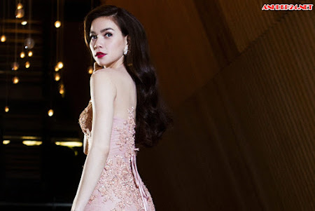 Vẻ đẹp quyến rũ, kiêu sa, sang trọng của Nữ hoàng giải trí Hồ Ngọc Hà khiến ai cũng mê
