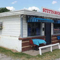 Stutts House of Barbeque's profile photo