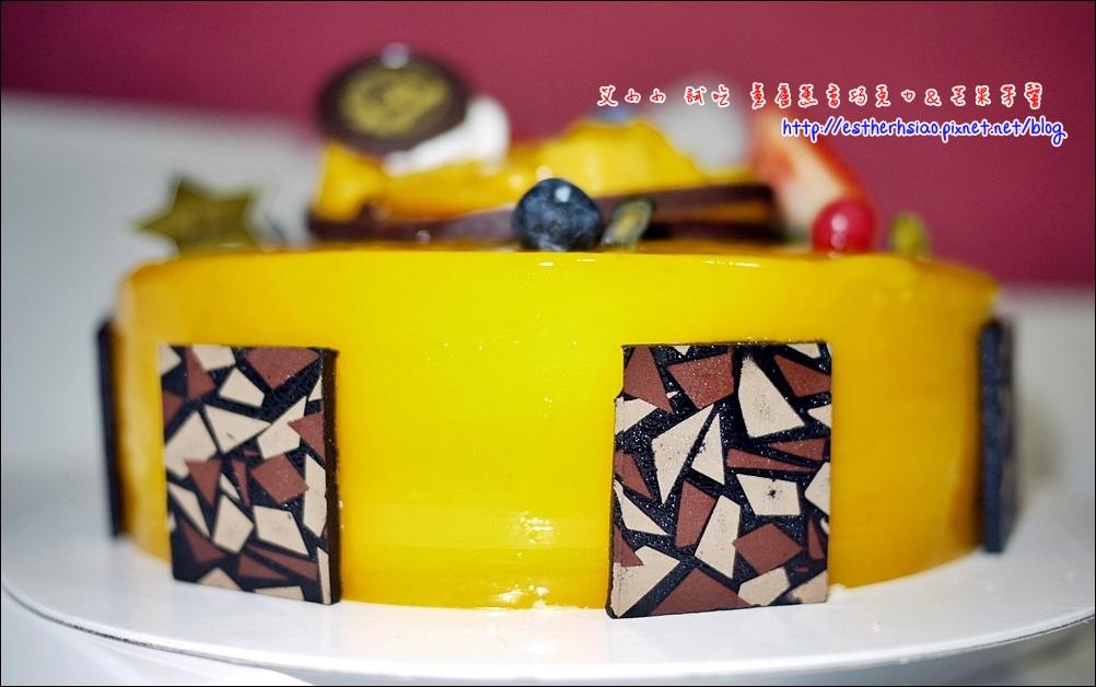 19 蛋糕旁的偽馬賽克磚