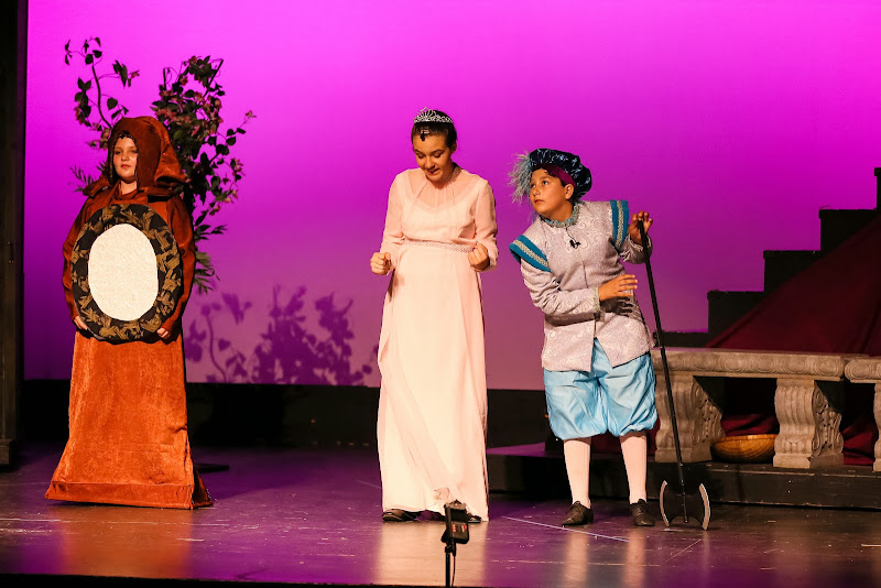 2014Snow White - 19-2014%2BShowstoppers%2BSnow%2BWhite-5742.jpg