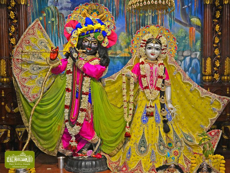 ISKCON Hare Krishna mandir Ahmedabad  07 Jan 2017 (1)