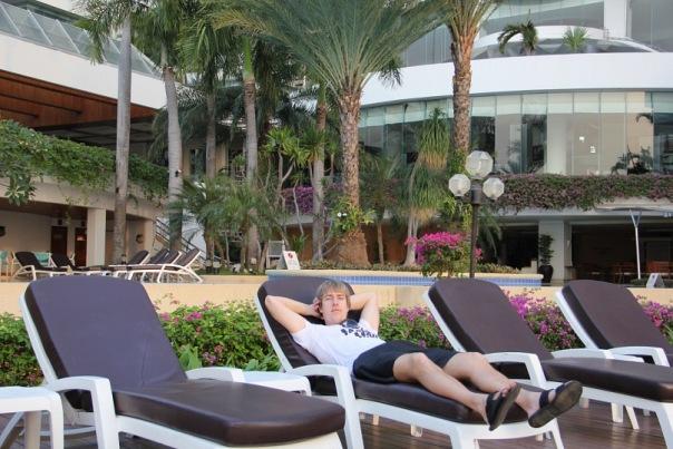 Alex Lesli Pua Rest In Beach, Alex Lesley