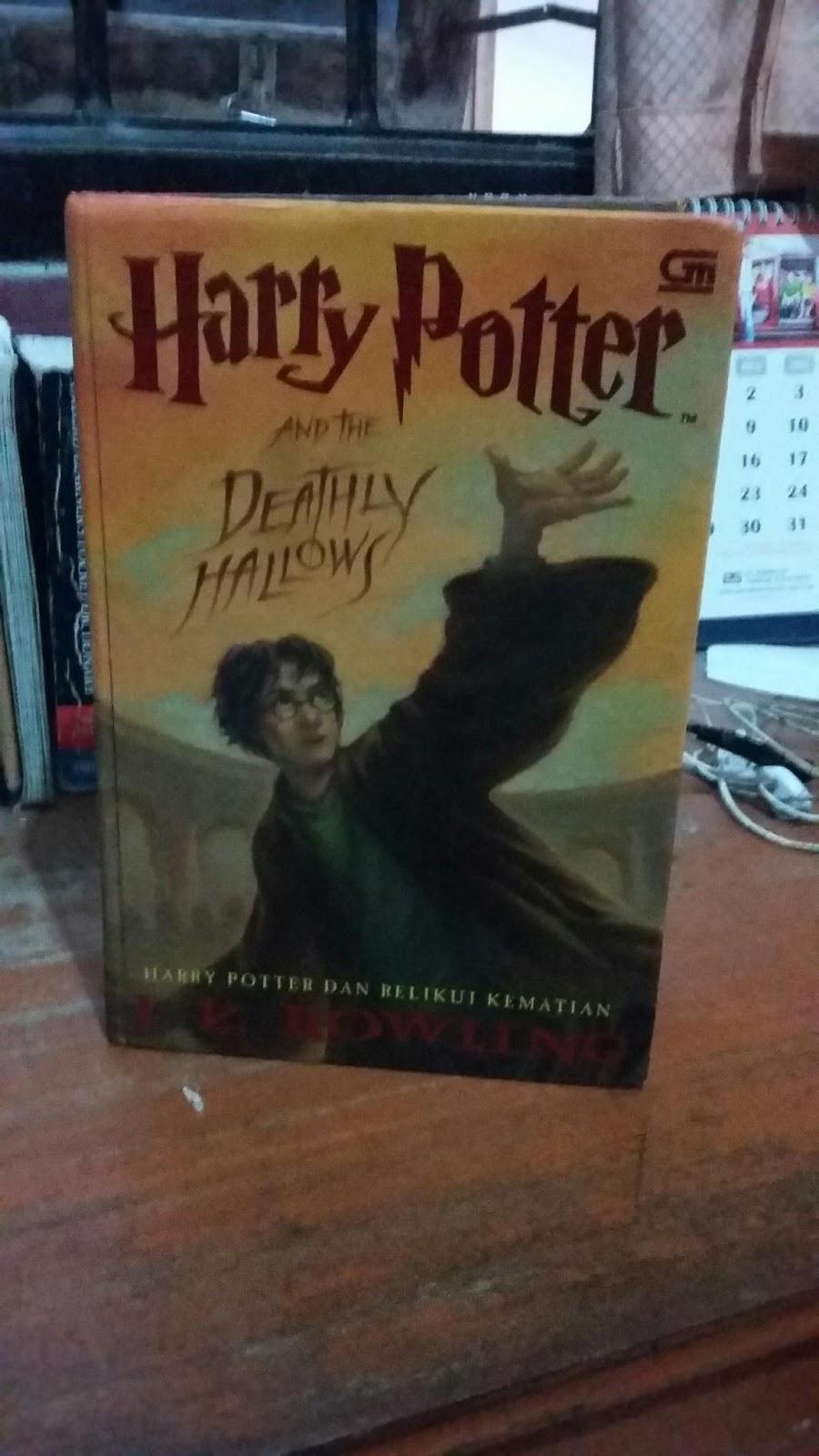 Berkenalan Dengan Harry Potter Di Seri Ketujuh Soft Cover And The Deathly Hallows Dan Relikui Kematian Jk Rowling 20 Desember 2016