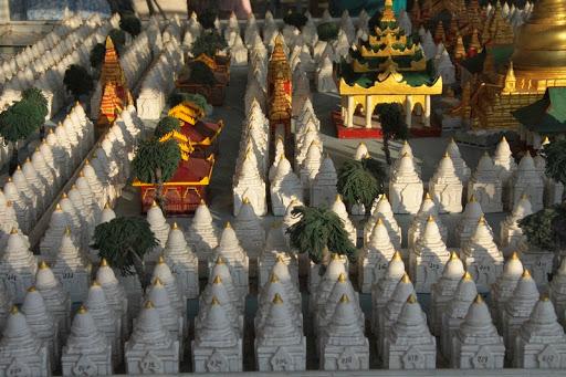 Kuthodaw-pagoda-9