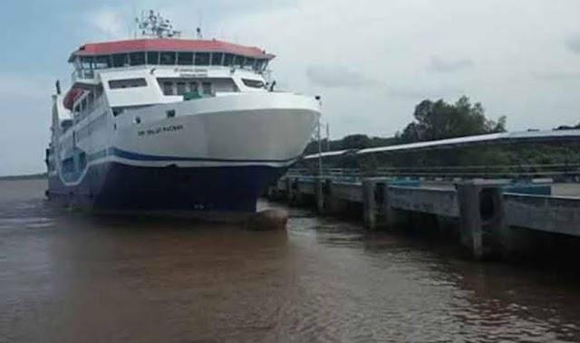 Bupati Edy: Pelayaran Kapal Feri Paciran-Bahaur Ditunda, Tidak Melayani Arus Penumpang