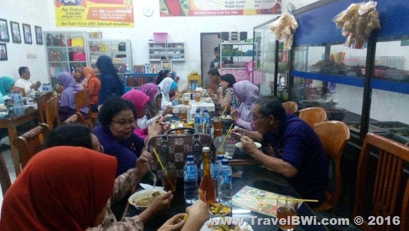 Paket Tour Wisata 2h1m Banyuwangi Selatan - PT Angkasa Pura Juanda Surabaya - Rujak Soto