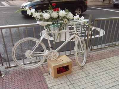 Bicicleta blanca Zaragoza