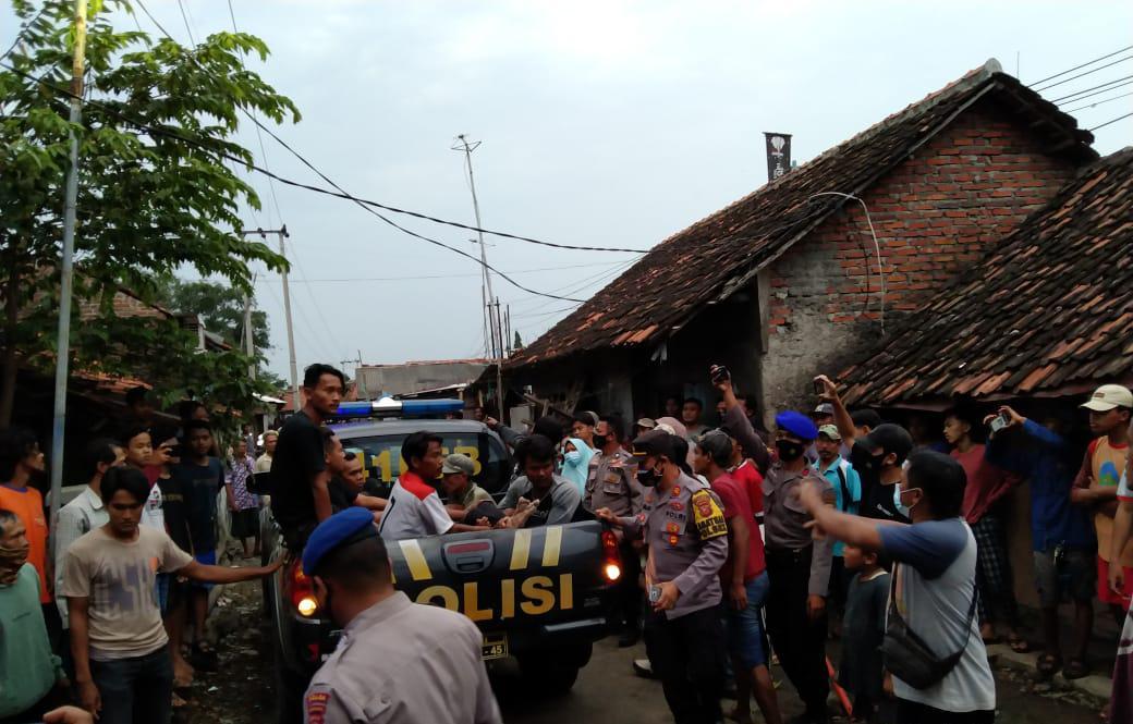 Kapolsek Gunung Jati Pimpin Pencarian dan Evakuasi Korban Tenggelam Di Sungai Bondet