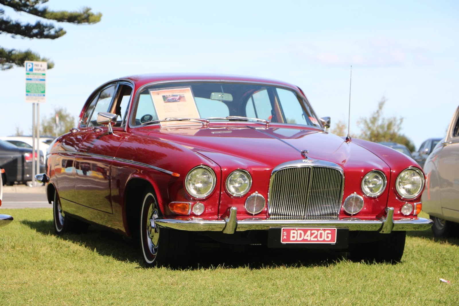 Jaguar 420G -  British_Classic_Tour_6_May_2018_0103.JPG