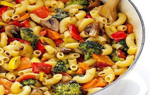 Mỳ ống trộn rau củ nướng