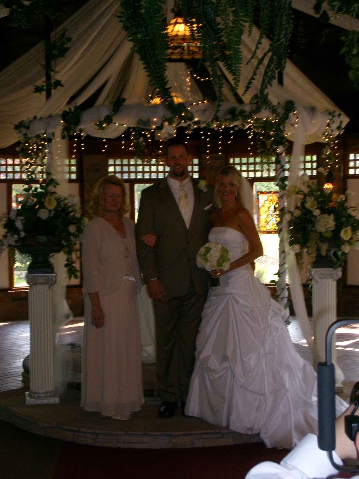 Beths Wedding - S7300170.JPG
