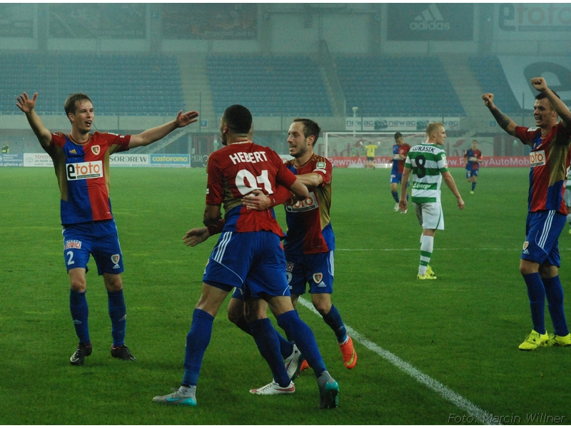 Piast  vs Lechia 2015_09_30.jpg