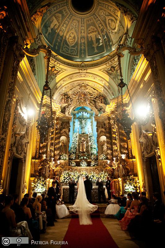 Foto de casamento 0691 de Fabiana e João. Marcações: 29/05/2010, Casamento Fabiana e Joao, Igreja, Igreja Nossa Senhora Monte do Carmo, Rio de Janeiro.