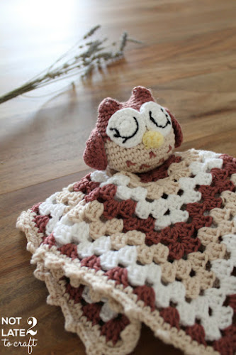 Not 2 late to craft: Benvinguda Carla! Dudú mussol de ganxet / Welcome Carla! Crocheted owl doudou