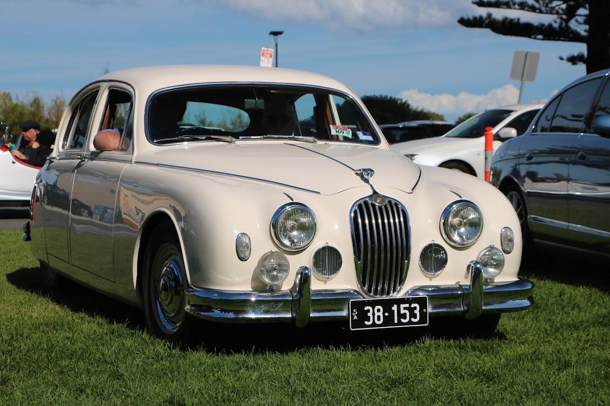 Jaguar Mk2 - British_Classic_Tour_6_May_2018_0186.JPG