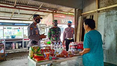 Sosialisasi PPKM Darurat Dilaksanakan Gugus Tugas Covid 19 Kepada Pedagang dan Pengunjung Pasar di Wilayah Kapanewon Sentolo
