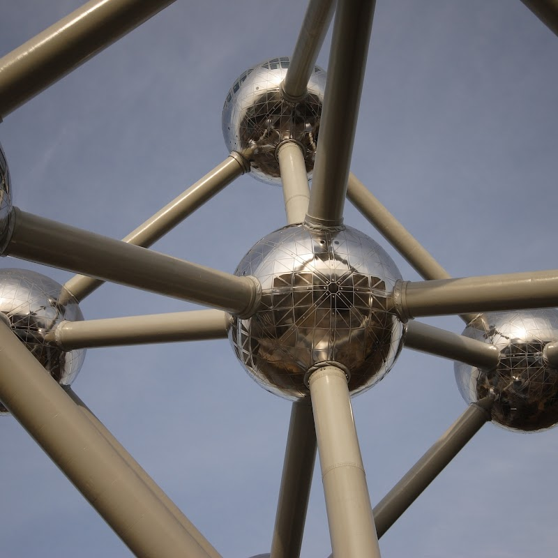 Brussels_081 Atomium from Underneath.jpg