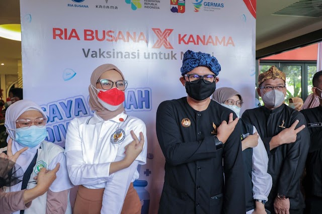 Bima Arya dan Staf Khusus Presiden Tinjau Vaksinasi Disabilitas