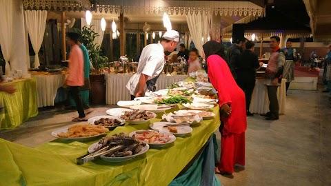 Buffet Ramadhan Di Restoran Nelayan, Gombak
