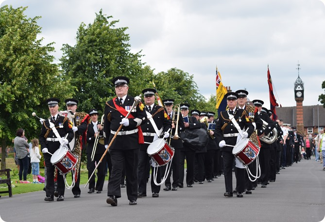 The march enters Queens Park - The Band and Drums of the  Cheshire Constabulary (1)