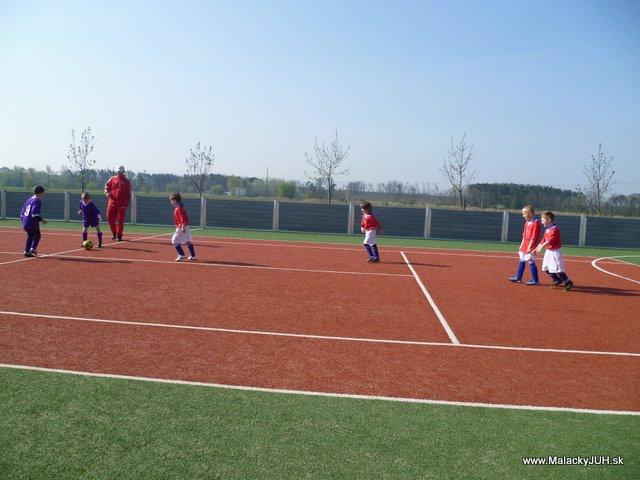 Veľkonočný medzinárodný ZLATÝ futbalový turnaj ČSFA (17.4.2011) - P1020043.JPG