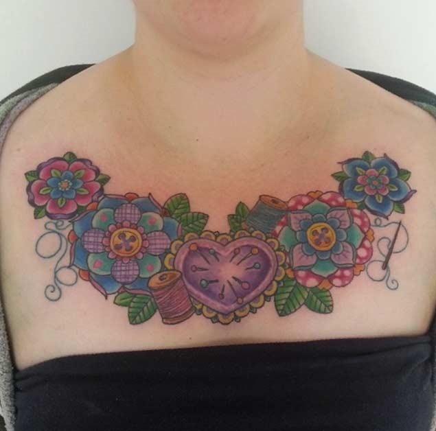 Este floral peito peça