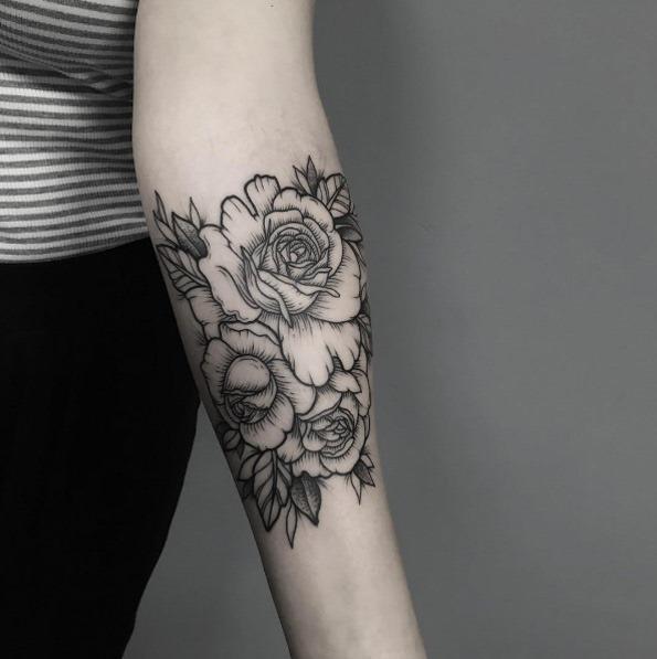 estes_blackwork_florais