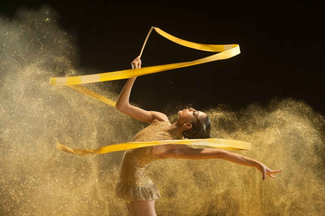 "Freixenet ""Shine"" Ad Featuring Spain's National Rhythmic Gymnastics Team"