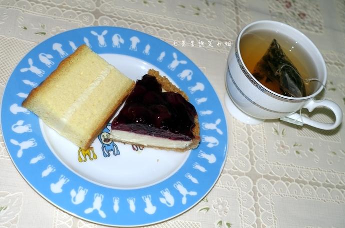 33 法國的秘密甜點諾曼地牛奶蛋糕北海道生淇淋捲森林莓果佐起士