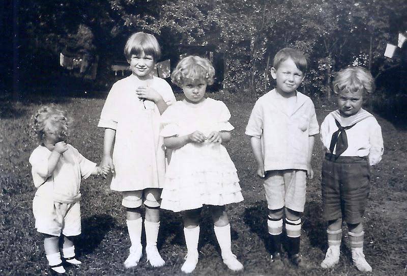L to R - Ruth, Dorothy, Anne, Sonny Dreschler and Bob