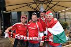 Magyar és osztrák szurkolók Bordeaux belvárosában a franciaországi labdarúgó Európa-bajnokságon, 2016. június 14-én. (MTI Fotó: Illyés Tibor)