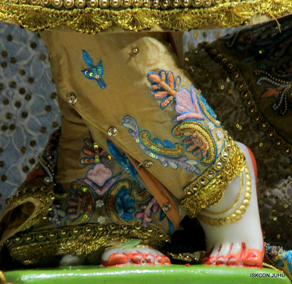 ISKCON Juhu Mangal Deity Darshan on 24th Oct 2016 (27)
