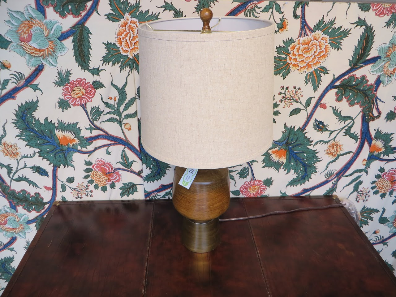 Mid-Century-Inspired Table Lamp